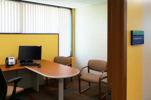 Mayo Clinic Health System - Procedure Clinic Consultation Room