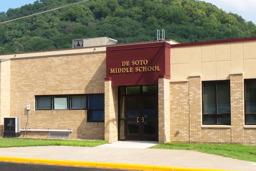 De Soto Middle School Entrance 2