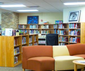 De Soto Middle/High School Library