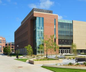 University of Wisconsin - La Crosse - Prairie Springs Science Center - Exterior 1