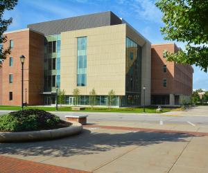 University of Wisconsin - La Crosse - Prairie Springs Science Center - Exterior 4